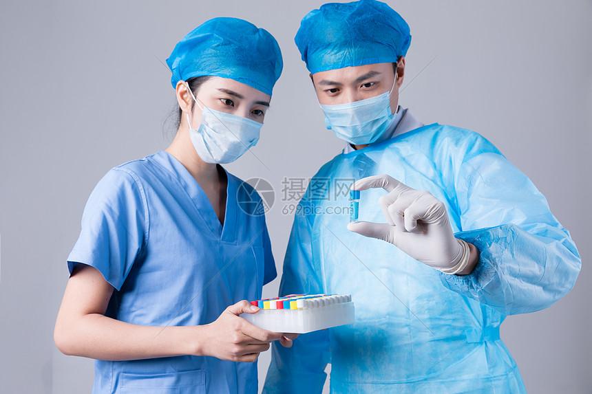 医生做实验学术交流图片