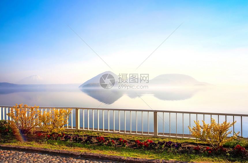 北海道洞爷湖清晨图片