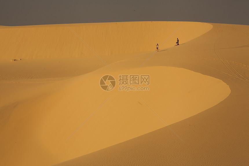 极美的沙漠景色图片