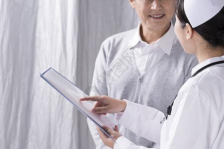 护士向患者讲解底图图片