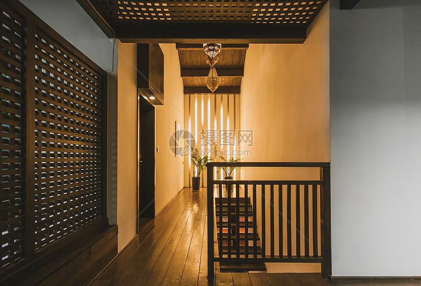 中式古典风格的室内走廊图片