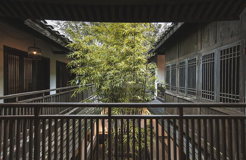 中式古典风格的庭院楼阁图片