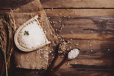 营养稻米图片