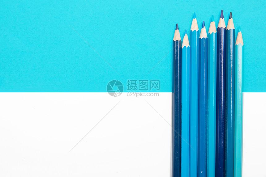 蓝色的铅笔图片