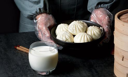 早餐包子牛奶图片
