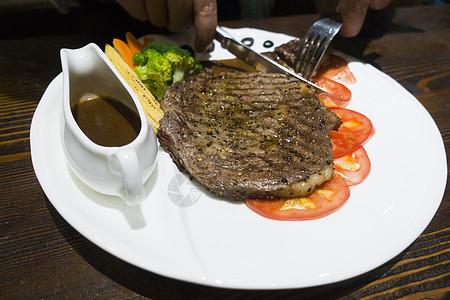 西餐中的牛排图片