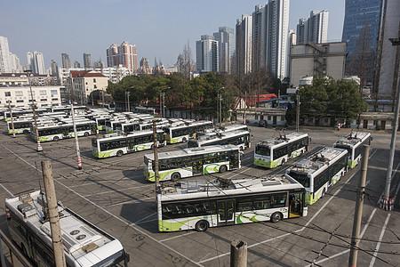 公交车车库图片