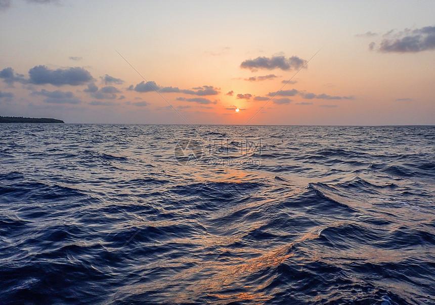 马尔代夫的夕阳图片