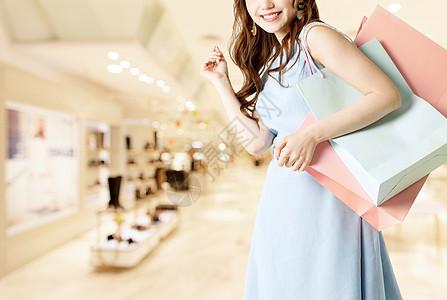 商场购物的女士图片
