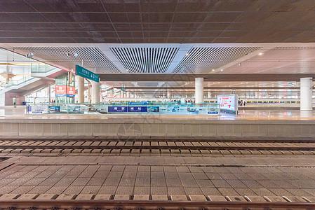 高铁站站台场景图片