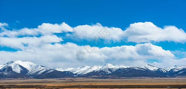 冬季雪山图片