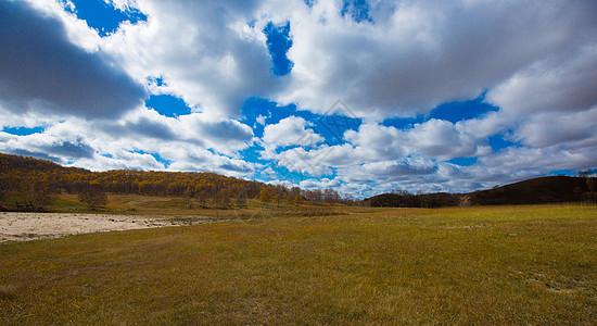 深秋的木兰围场蓝天白云图片