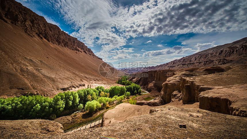 吐峪沟大峡谷图片