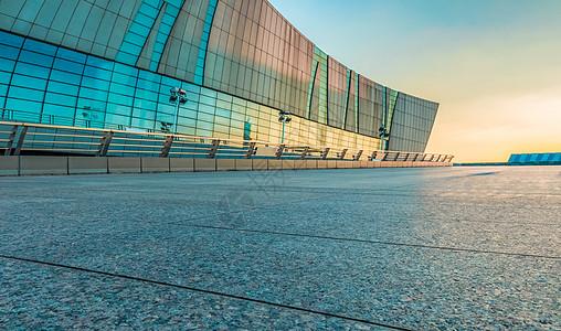 湖北武汉琴台音乐厅汽车路面背景图片