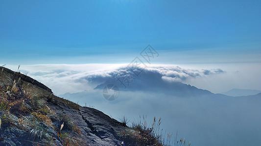 山顶云端图片