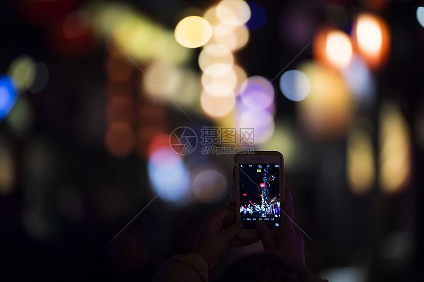 用手机拍摄夜景图片