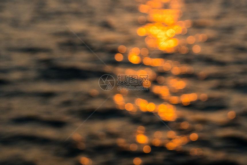 海水水面波纹光斑图片