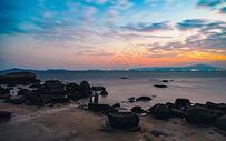 海边酒店的黄昏图片