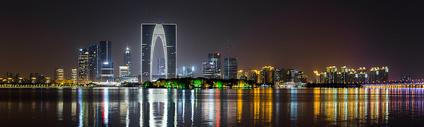 苏州东方之门夜景全景照片图片