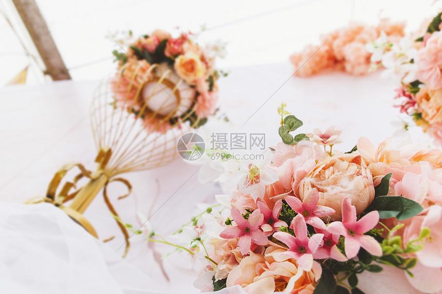 美丽的鲜花装饰图片