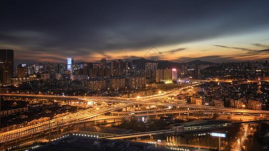 大连东北路城市建筑风光夜景图片