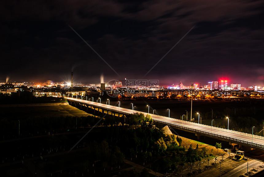 夜幕下的大桥图片