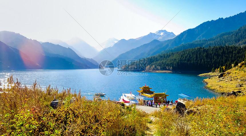 新疆天池图片