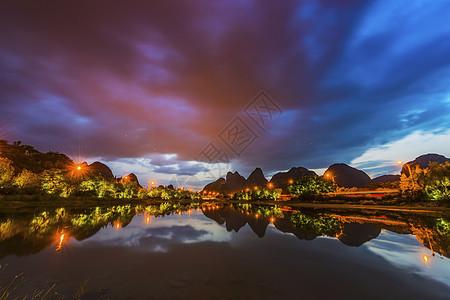 暴雨来临前的夜色桂林图片