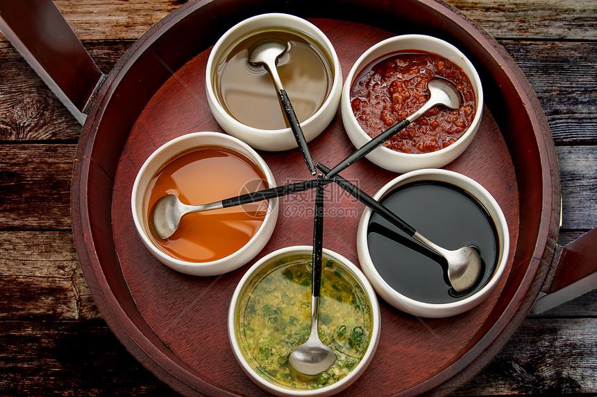 火锅蘸酱图片
