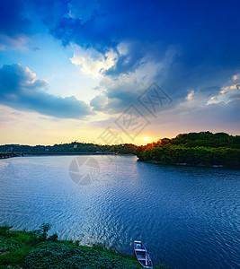 重庆双龙湖夕阳图片