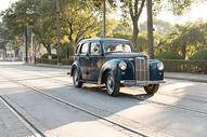 复古古董车特写图片