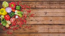 桌面上的蔬菜图片