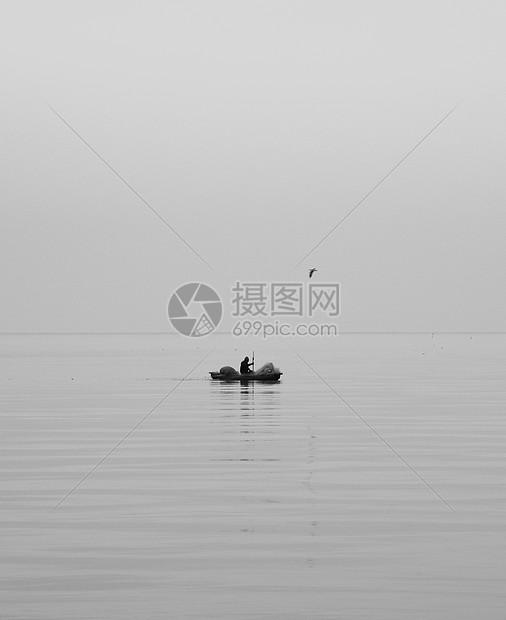 黑白滇池图片