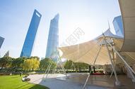 上海地标公园与高楼大厦图片