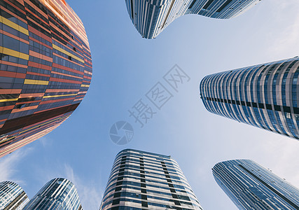 仰视高楼大厦图片
