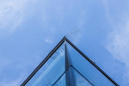 上海商务大楼线条特写图片
