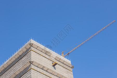 蓝天下建设的楼房图片