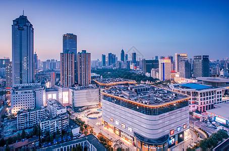 傍晚武汉国际广场图片