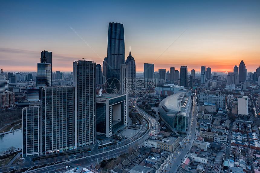 城市黎明图片