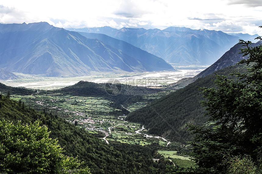 西藏林芝尼洋风光图片