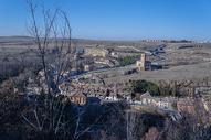 冬天西班牙的小镇风景图片