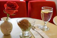 玫瑰与冰淇淋图片