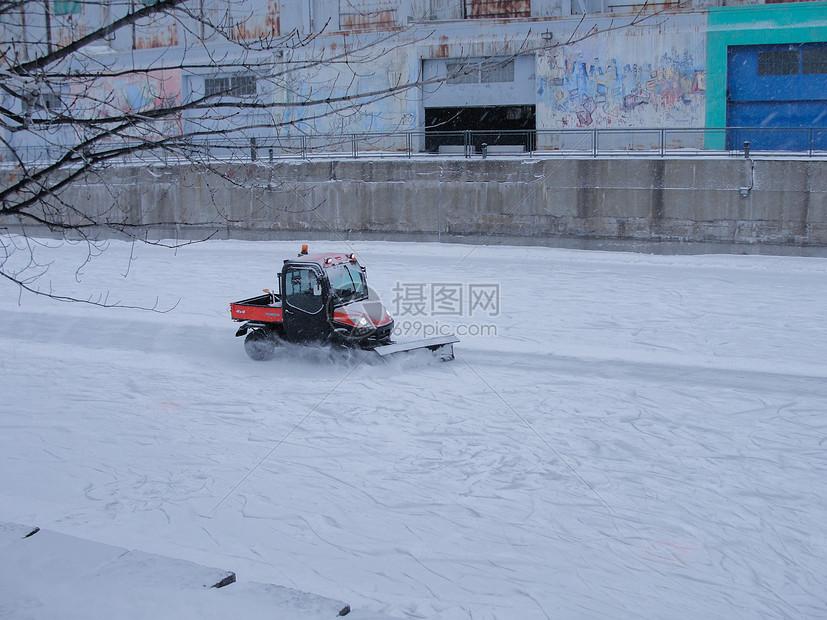国外的铲雪车图片