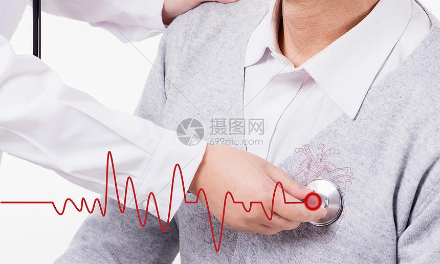 医生为老人检查身体图片