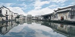 宏村徽派建筑天空之境图片