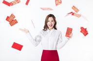新年商务女性红包满天飞图片