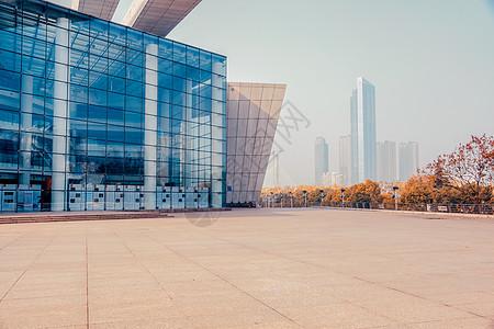 武汉琴台大剧院门口道路图片