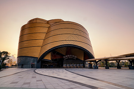 武汉地标建筑万达黄金屋图片