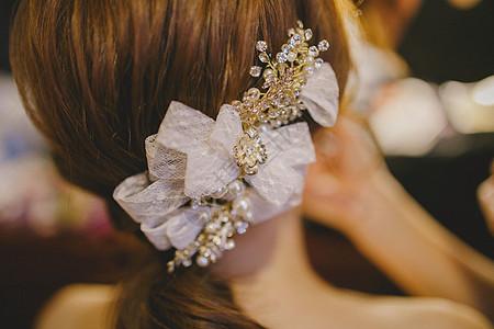 美丽新娘的发饰图片