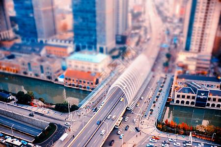 移轴效果车水马龙的街头图片